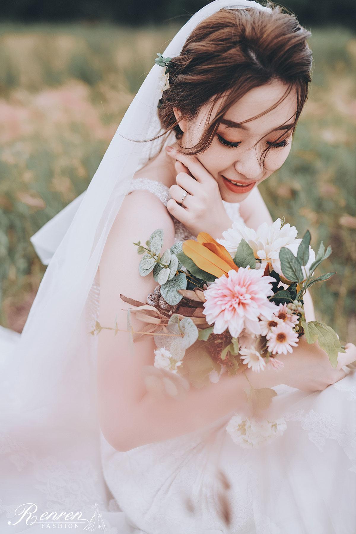 美式婚紗台中-冉冉婚紗-草地-白紗