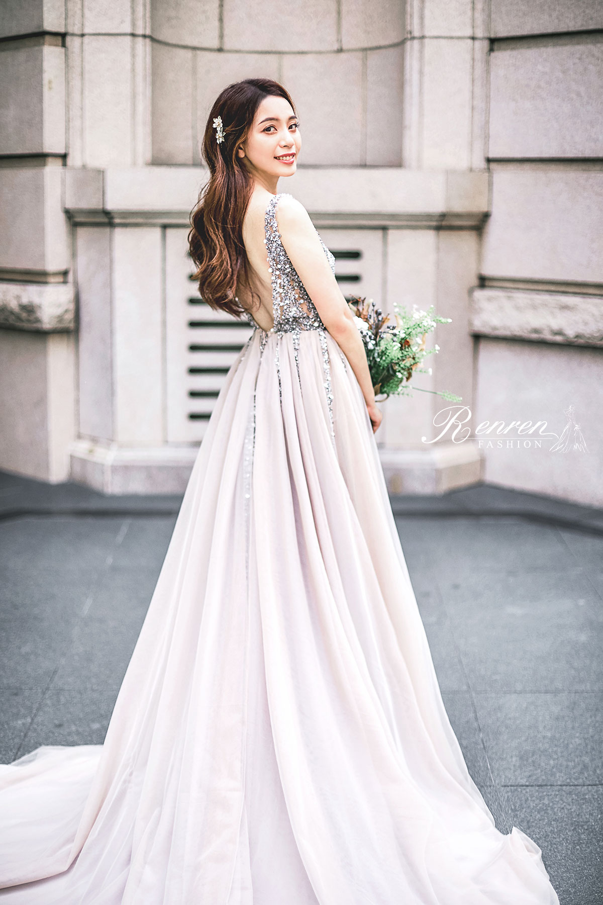 台中婚紗街拍-七期建築-街頭-婚紗